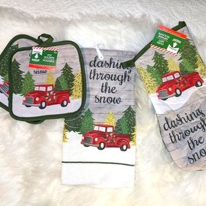 Christmas Farmhouse Old red truck kitchen towel se